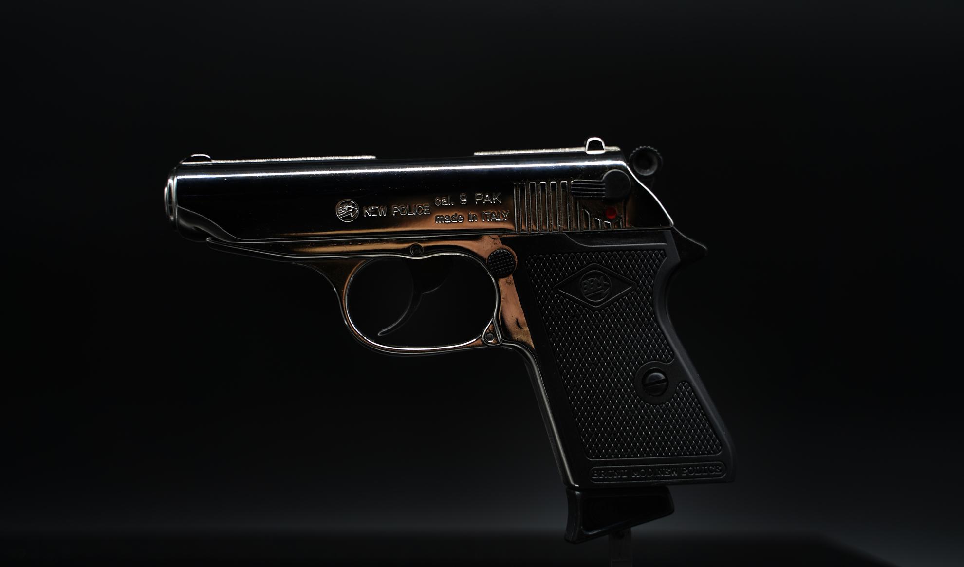bruni guns new police nichel